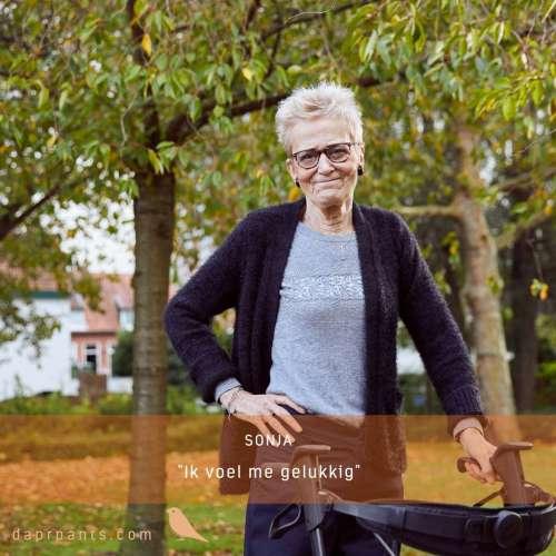 Tevreden klant Sonja meldt dat zij heel gelukkig is met haar DAPR aangepaste broek.