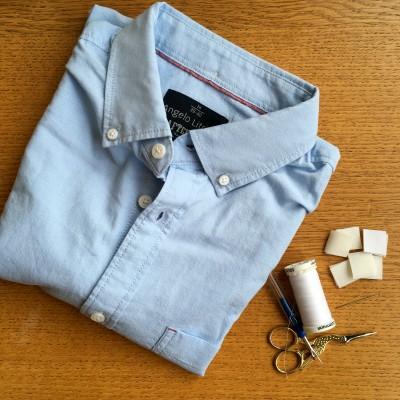 Door knoopjes aan de voorkant te plaatsen en een klitteband sluiting aan de blouse te stikken of plakken, is de blouse makkelijk open en dicht te doen en ziet het er van voren uit alsof er niks is aangepast.